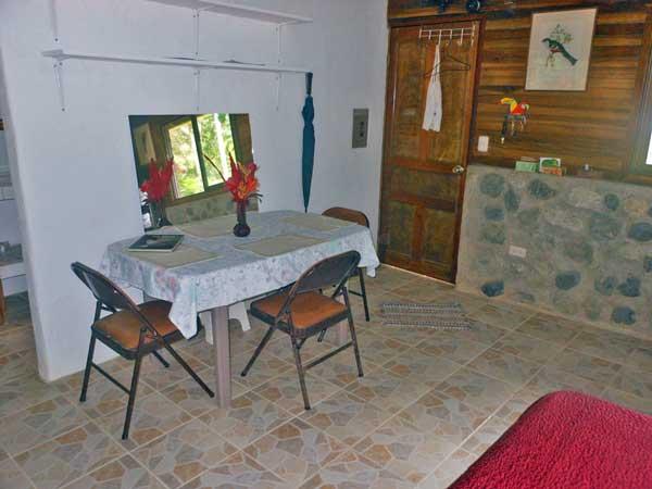 Guesthouse-Desk